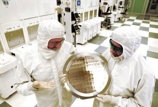 IBM създаде първия 7-нанометров чип