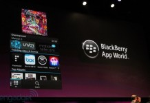 Social networking apps on BlackBerry 10 OS