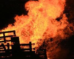 Big fire (Photos8.com)
