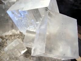 Rock salt crystals (wlodi/Wikimedia Commons)