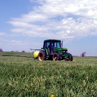 Herbicide spraying (Agricultural Research Service/USDA)