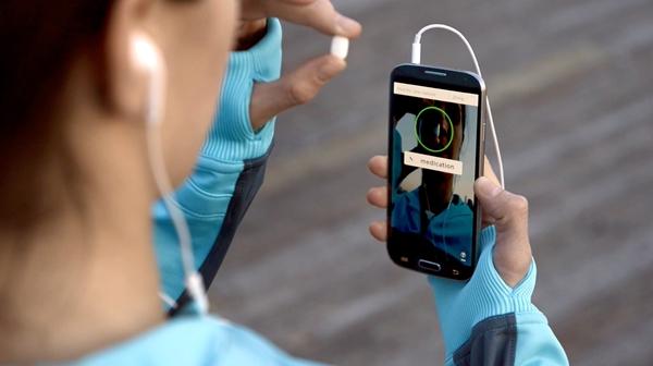 Smartphone camera confirms taking medication