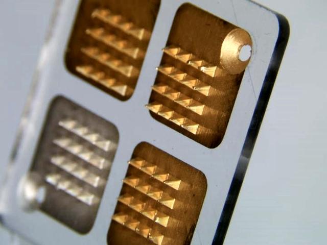 Microneedle biosensor