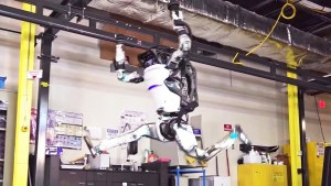 Boston Dynamics' Atlas robot is now a gymnast (Video)