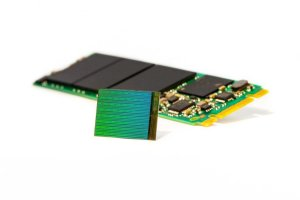 NAND flash memory price keeps declining, leading to cheaper and bigger SSDs