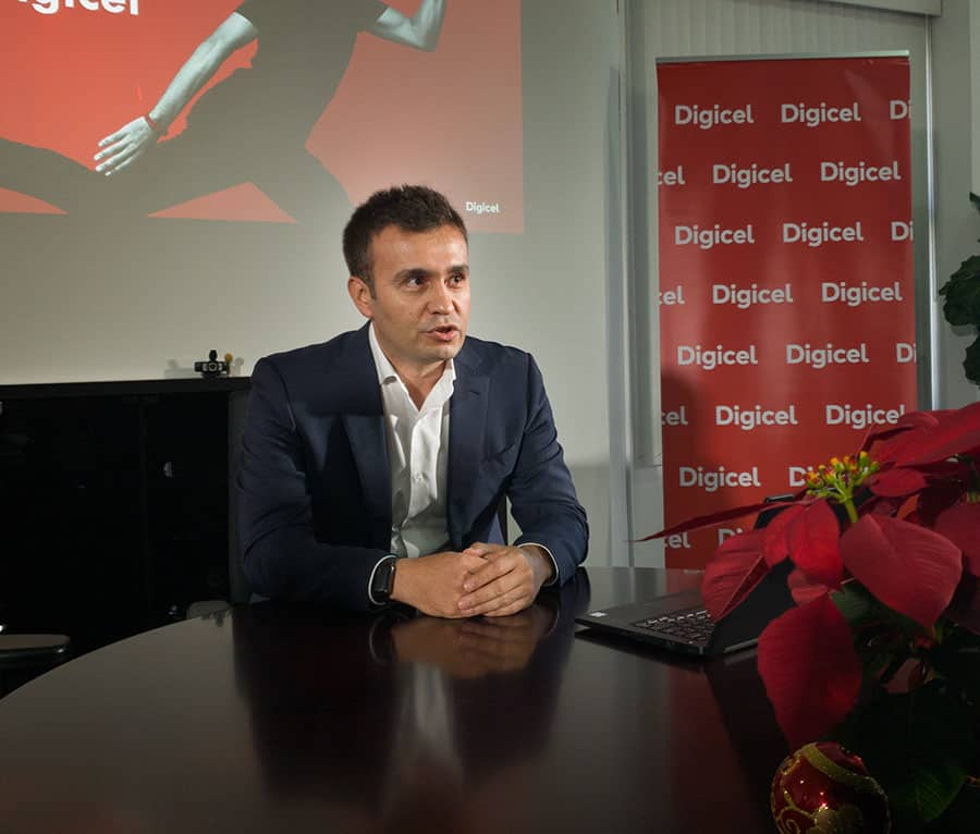Digicel to give selected customers 70,000 smartphones