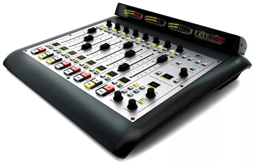 Axia Radius console numérique radio broadcast