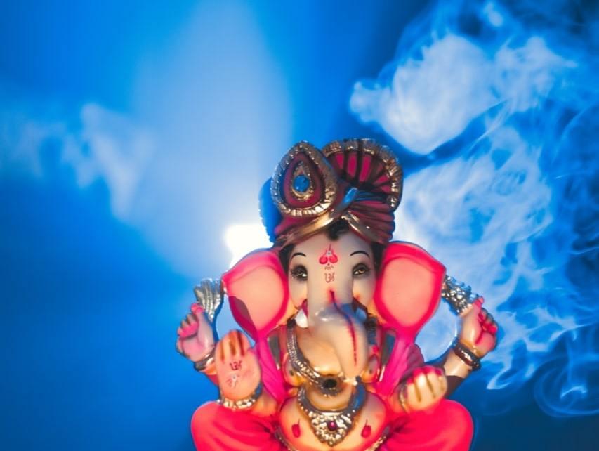 गणेश चतुर्थी पर शायरी - Happy Ganesh Chaturthi Shayari in Hindi