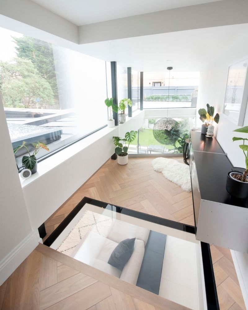 glass floor and wall to london extension