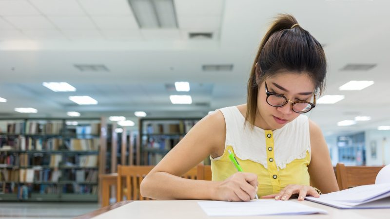 Guide For Beginners: How to Write a First-Person Essay