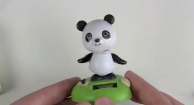 Solar Panda Wackelfigur