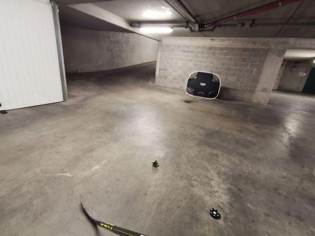 Entraînement dans un garage, par Emeric, un coéquipier et lecteur de Technique-Hockey