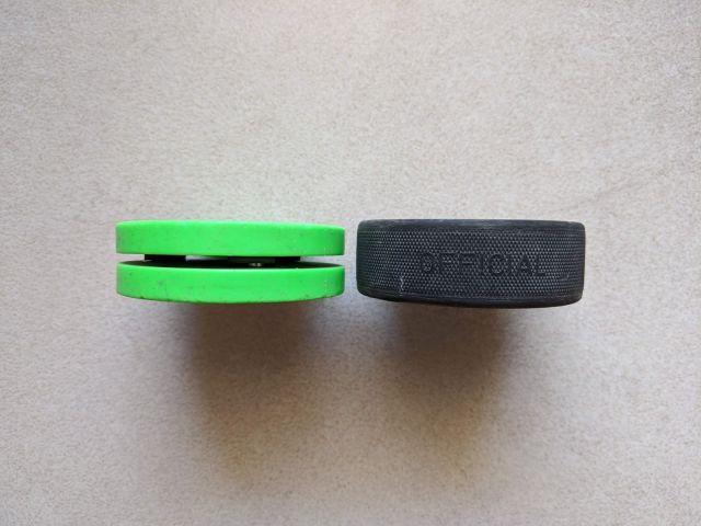 Épaisseur du Green Biscuit versus une rondelle de hockey - Technique-Hockey