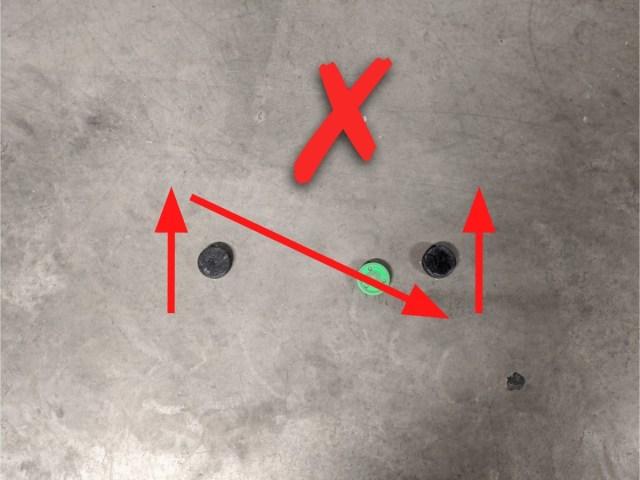 Passage serré autour des obstacles - Technique-Hockey