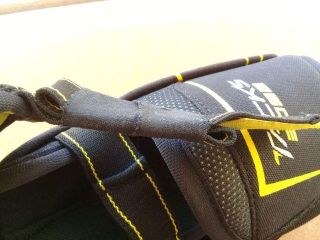 Pliage des straps et maintien avec du tape