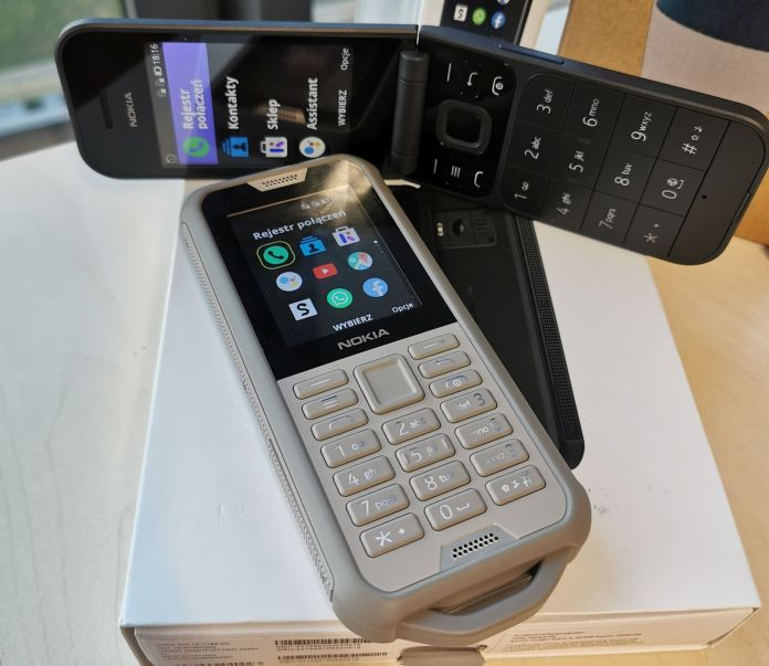 Nokia 2720 Flip / Nokia 800 Tough