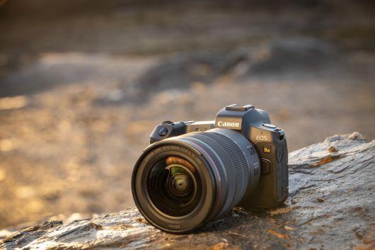 Canon_EOS-Ra