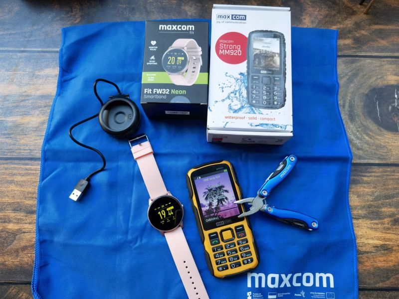 MaxCom Fit FW32 Neon