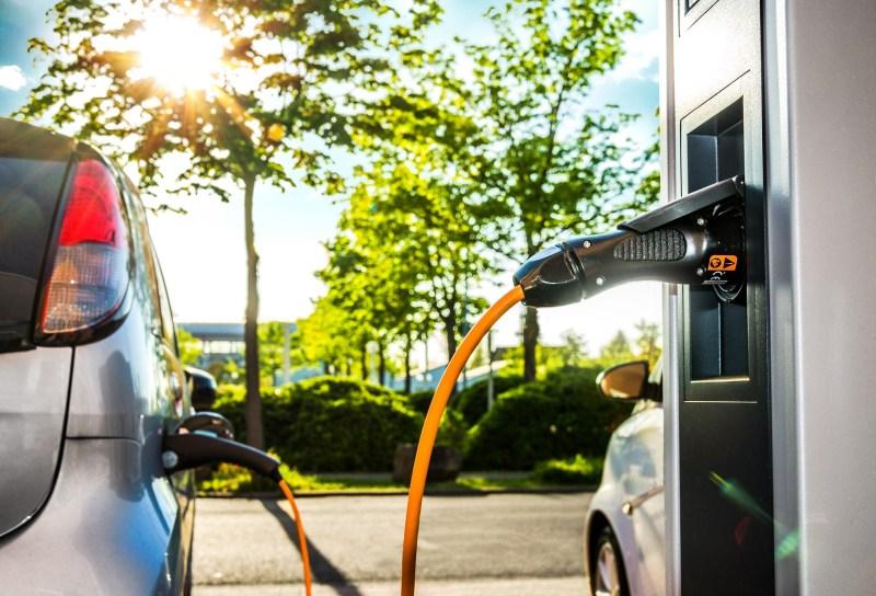 Auto elektryczne / hybrydowe / plug-in
