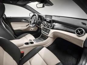 2018 Mercedes-Benz GLA250 interior