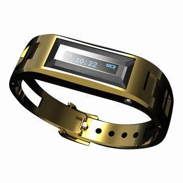 Bracelet combines form, function