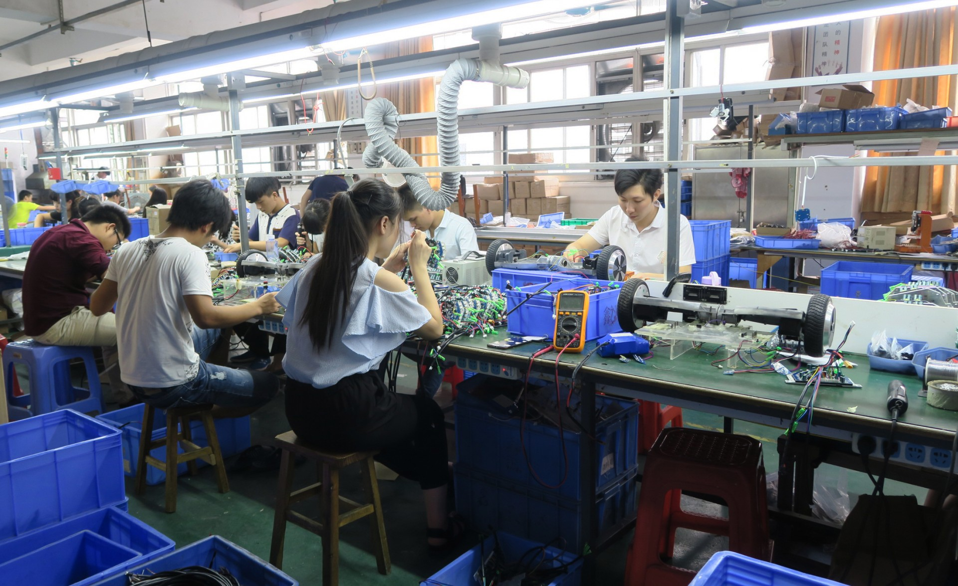 Shenzhen's Small Factories Partner With Startups As