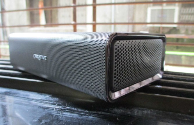 Creative SR20 ROAR portable bluetooth speaker review