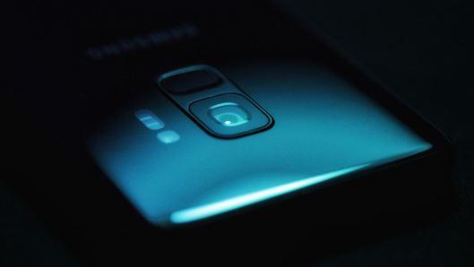 clean smartphone lens