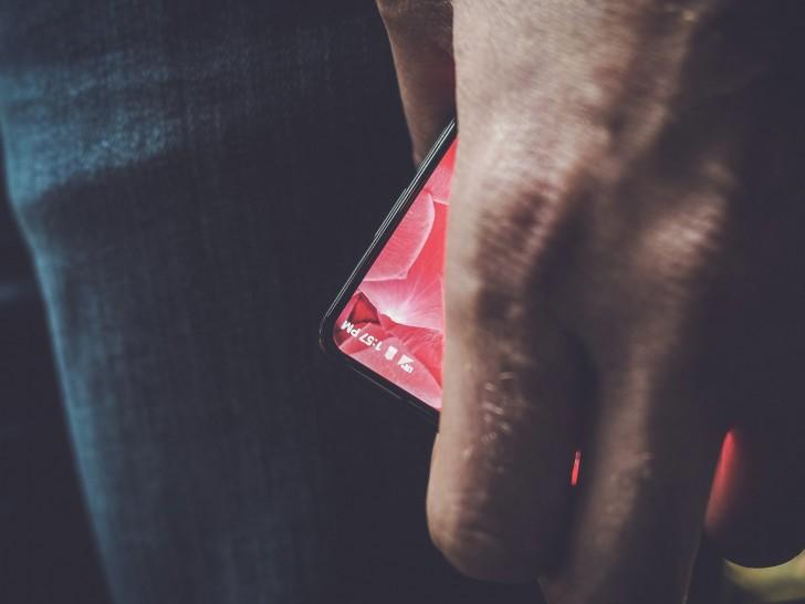 बेजेल लेज नयाँ स्मार्टफोन आउँदै, एन्ड्रोयडका को-फाउण्डरद्धारा तस्वीर सार्वजनिक