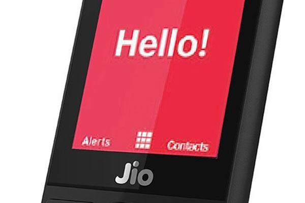 रिलायन्सले बिक्री गर्ने जियो फोन पड्किँदा भारतमा एक प्रयोगकर्ताको मृत्यु