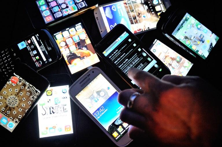 मोबाइल फोनको अन्तःशुल्क दर आधा घट्यो, मोबाइलको मुल्य साउनदेखि घट्ने