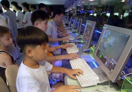 चीनमा १८ वर्षमुनिका अनलाइन गेमरहरुका लागि नयाँ नियम, राती अनलाइन गेम खेल्न प्रतिबन्ध