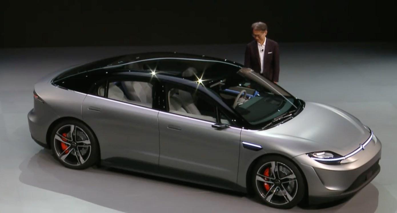 सोनीले पहिलो पटक बनायो इलेक्ट्रिक कन्सेप्ट कार 'भिजन एस', टपस्पीड २४० किलोमिटर प्रति घण्टा