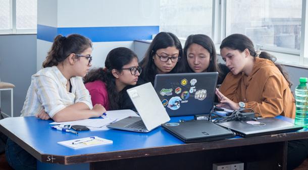 'कोड लाईक हर' फेलोशिप संचालन गरिँदै, युवतीहरुलाई सफ्टवेयर डेभलपमेन्ट शीप सिकाउने
