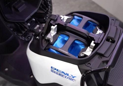 जापानका मोटरसाइकल उत्पादकहरु साझा गर्न सकिने इलेक्ट्रिक मोटरसाइकल ब्याट्री परीक्षणमा