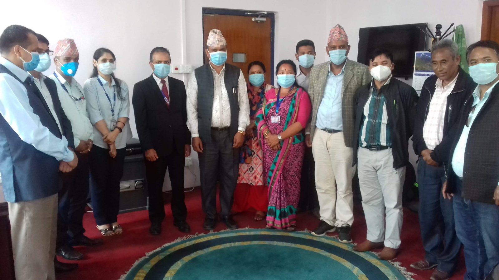 नेपाल बैंक लिमिटेड तथा लिसंखु पाखर गाउँपालिका बिच सम्झौता