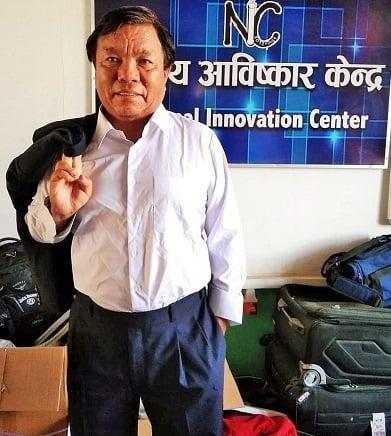 राष्ट्रिय आविष्कार केन्द्रका संस्थापक महावीर पुनले ४५ वर्षपछि दशैंमा लगाए नयाँ सुट