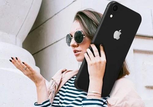 आगामी २० वर्षमा एप्पलले ल्याउने आईफोनको साईज कत्रो होला ? कम्तिमा डेढ फीट अग्लो