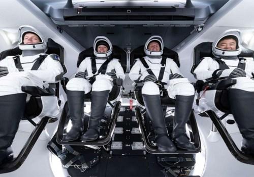 स्पेसएक्सद्वारा चार जना वैज्ञानिक रहेको रकेट अन्तरिक्षमा प्रक्षेपण