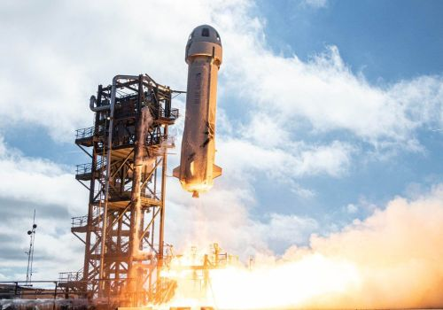 जेफ बेजोसको ब्लू ओरिजिनले जुलाई २० देखि यात्रुहरुलाई अन्तरिक्ष अवलोकनमा पुर्याउने