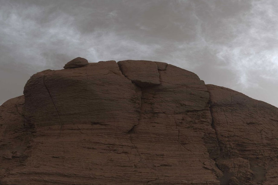 नासाको क्यूरियोसिटी रोभरले खिच्यो मंगल ग्रहमा बादलहरुको अद्भुत तस्वीरहरू