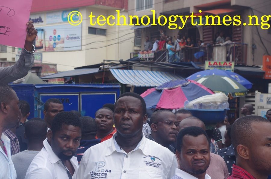 Phone dealers at Ikeja Computer Village on Monday said that they have decided to lock their shops for three days in peaceful protest against last Saturday's raid of the market by the Standard Organisation of Nigeria (SON)       Photo credit: Technology Times/Kolade Akinola