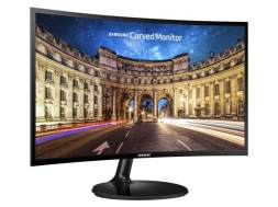 Samsung's CF390 Curved Monitor (2)