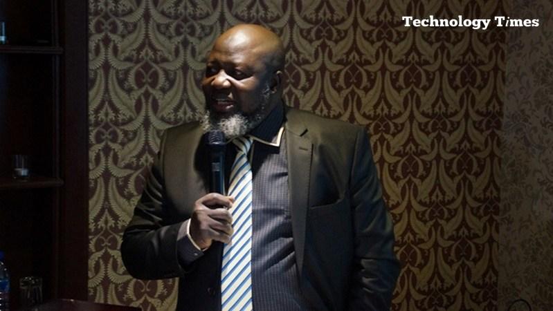 Adebayo Shittu, Minister of Communications