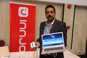 Innjoo Leap | World's slimmest laptop hedges 'power bank' charging feature 5