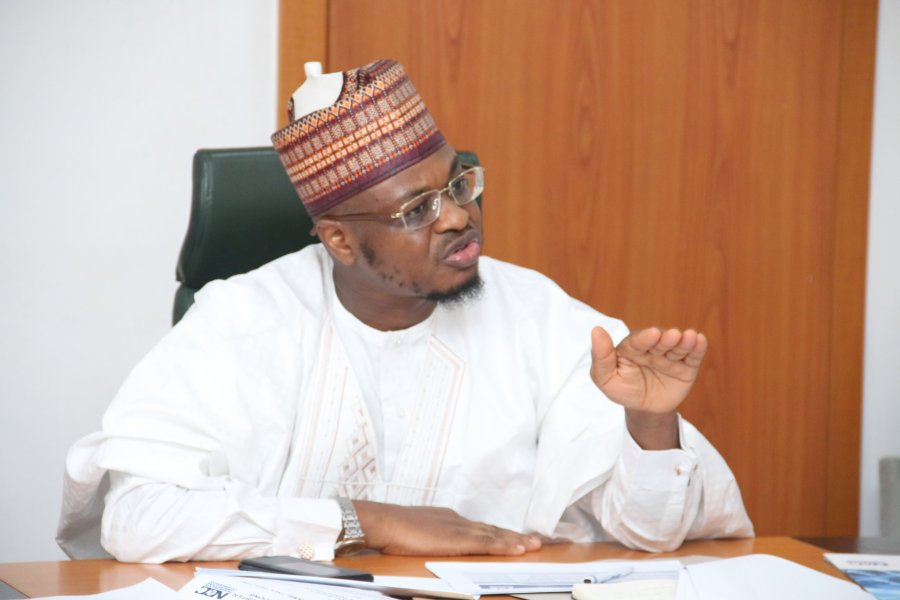Telcos, Govt hold talks today over embargo on sales of phone lines in Nigeria