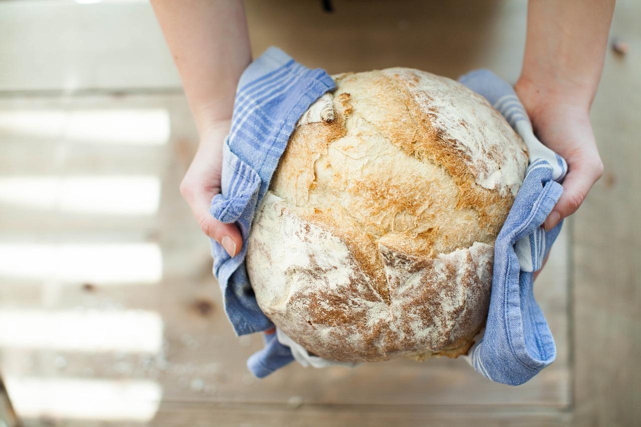 chleb przechowywać ile czas psuje się czerstwy