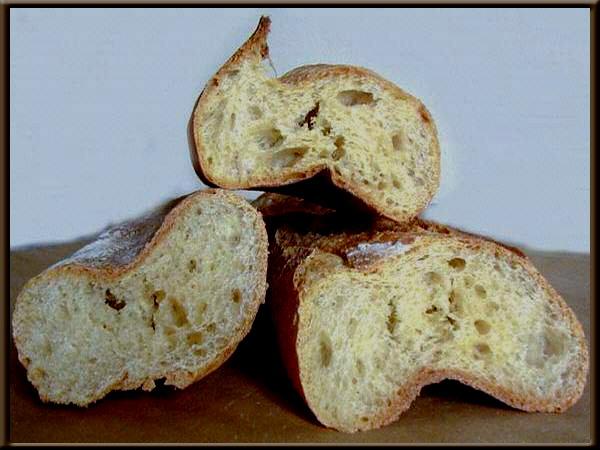 Une image contenant alimentation, intérieur, beignet Description générée automatiquement