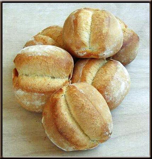 Une image contenant alimentation, pain, intérieur, beignet  Description générée automatiquement