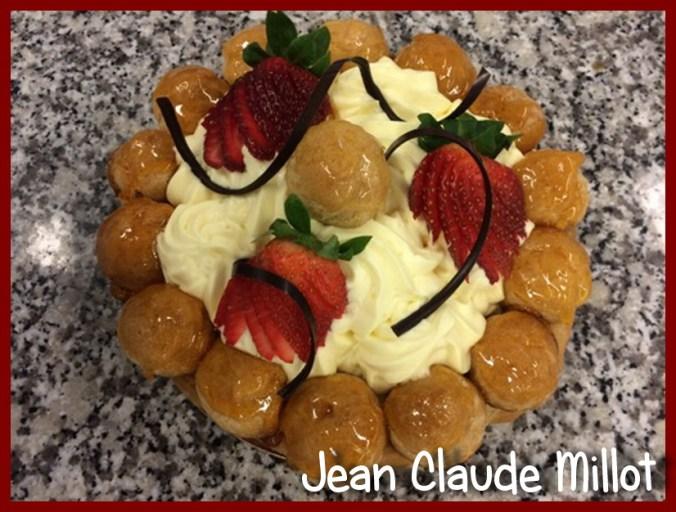 Une image contenant alimentation, intérieur, gâteau, assiette Description générée automatiquement